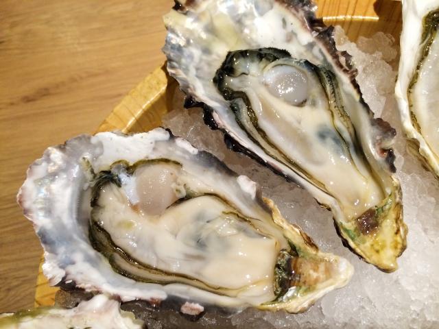牡蠣 白金 オイスターバー